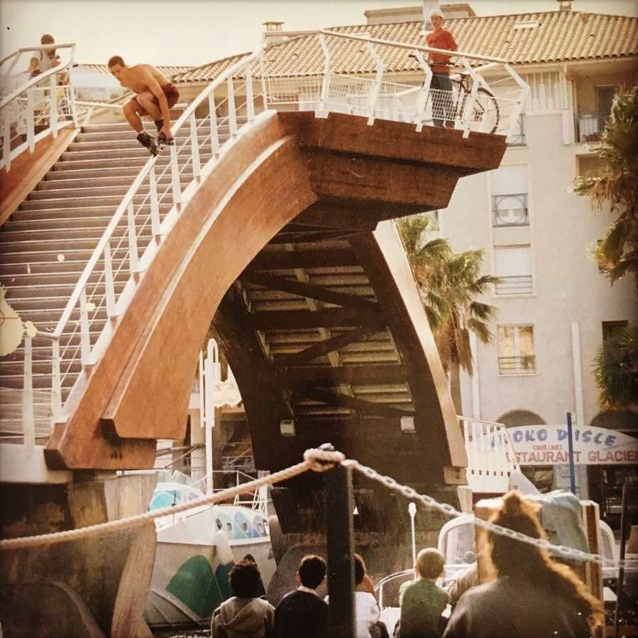 Stephane Alfano - Fish over the bridge (Frejus, France, 201x) - Picture of the Day